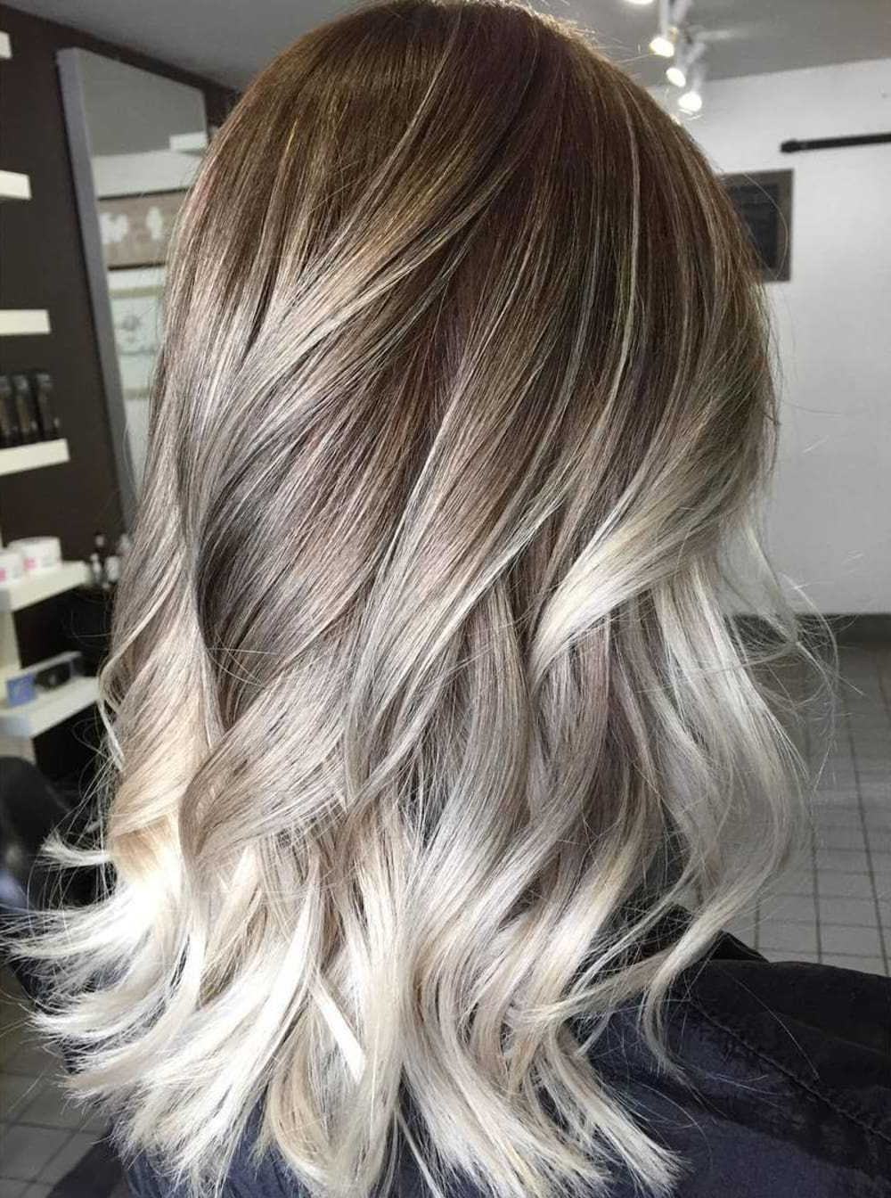 25 Blonde Highlights For Women To Look Sensational – Haircuts Intended For Preferred Medium Haircuts With Red And Blonde Highlights (View 17 of 20)