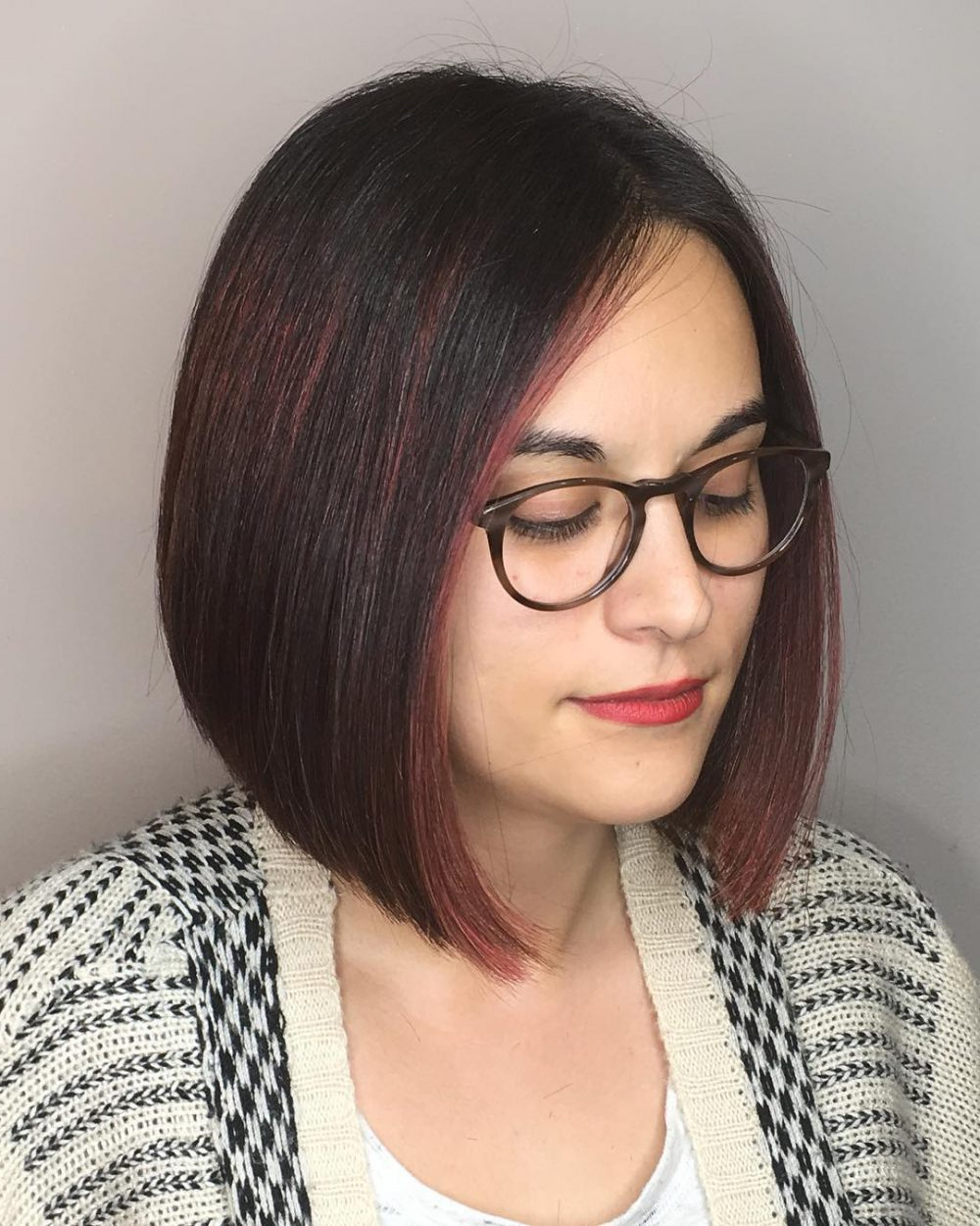28 Most Flattering Bob Haircuts For Round Faces In 2019 Throughout Best And Newest Medium Hairstyles For Round Faces And Glasses (View 2 of 20)