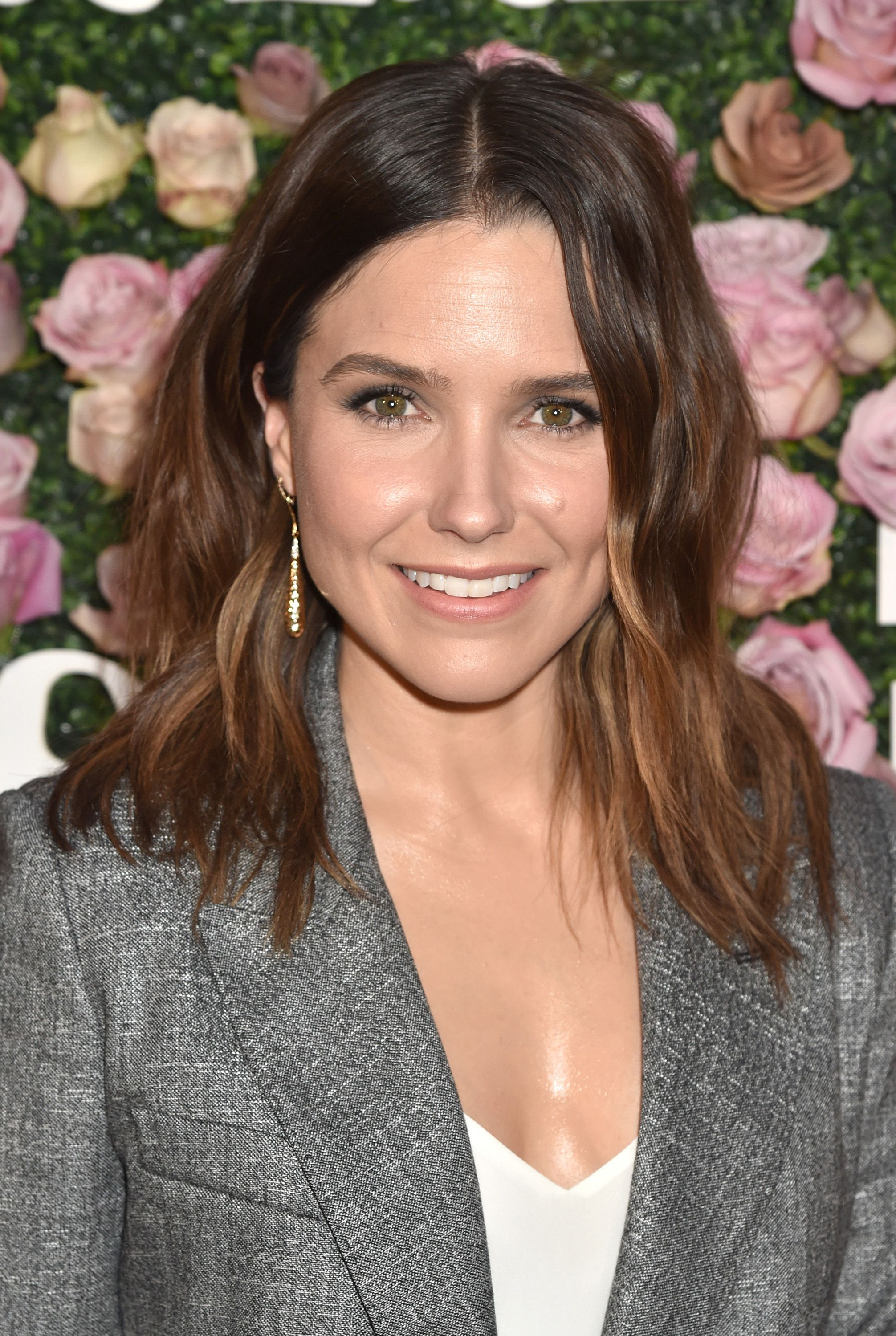 35 Best Haircuts For Women Over 30 – Short & Long Hairstyle Ideas For Well Known Sophia Bush Medium Hairstyles (View 2 of 20)