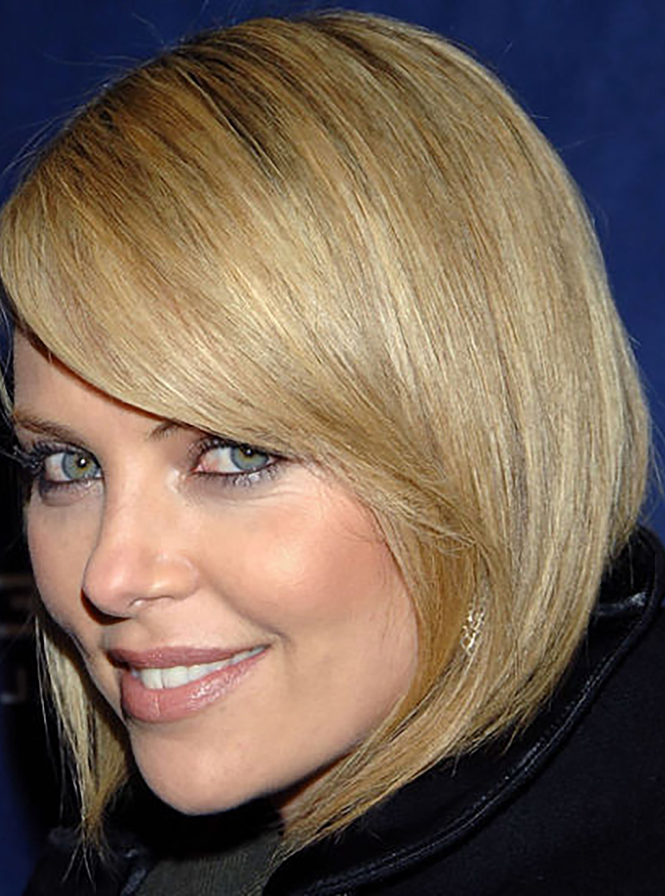 35 Cute Short Haircuts For Women 2019 – Easy Short Female Hairstyle Throughout 2018 Charlize Theron Medium Haircuts (Gallery 11 of 20)