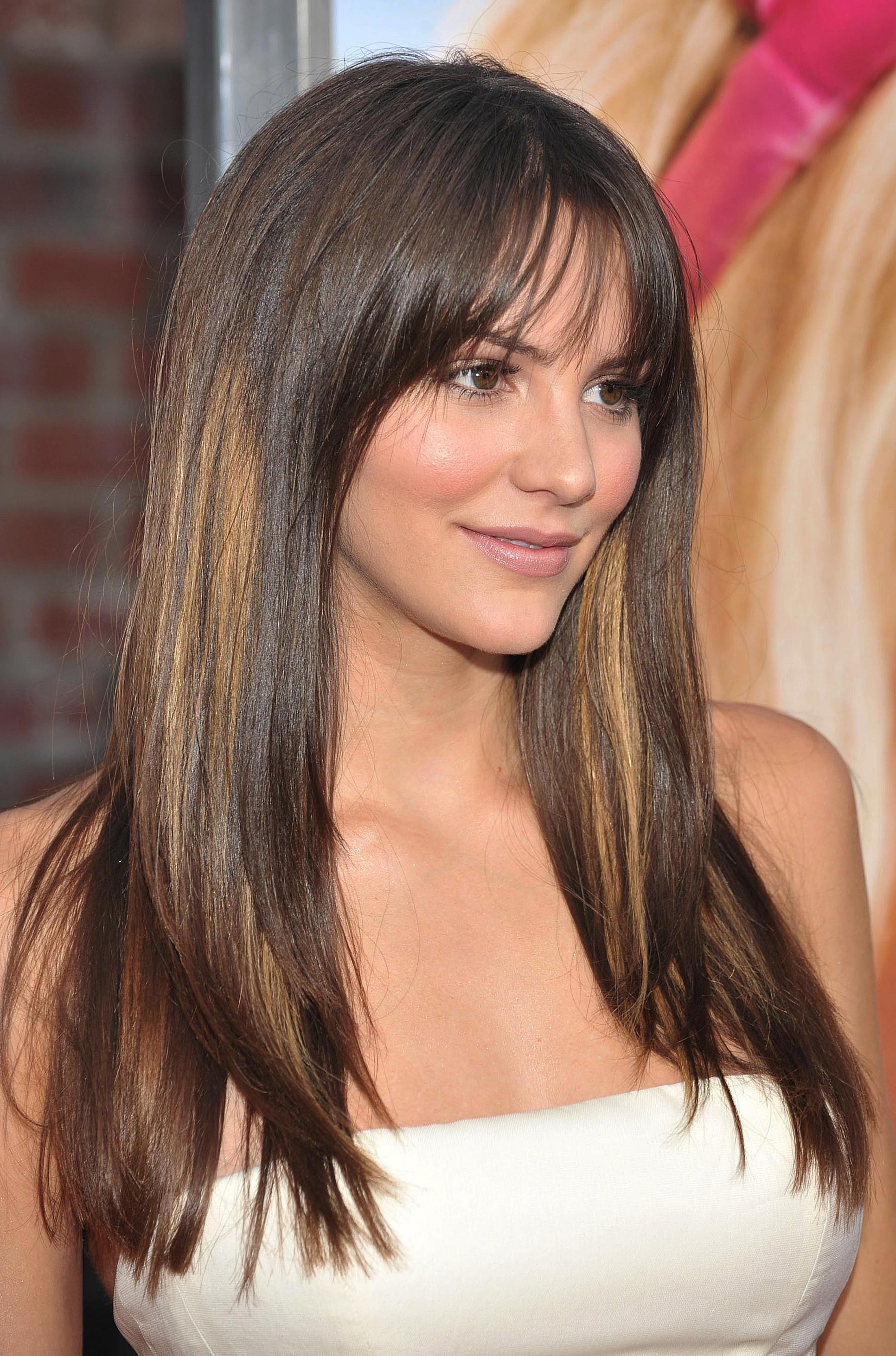 35 Flattering Hairstyles For Round Faces Inside Favorite Medium Hairstyles With Bangs And Layers For Round Faces (Gallery 8 of 20)