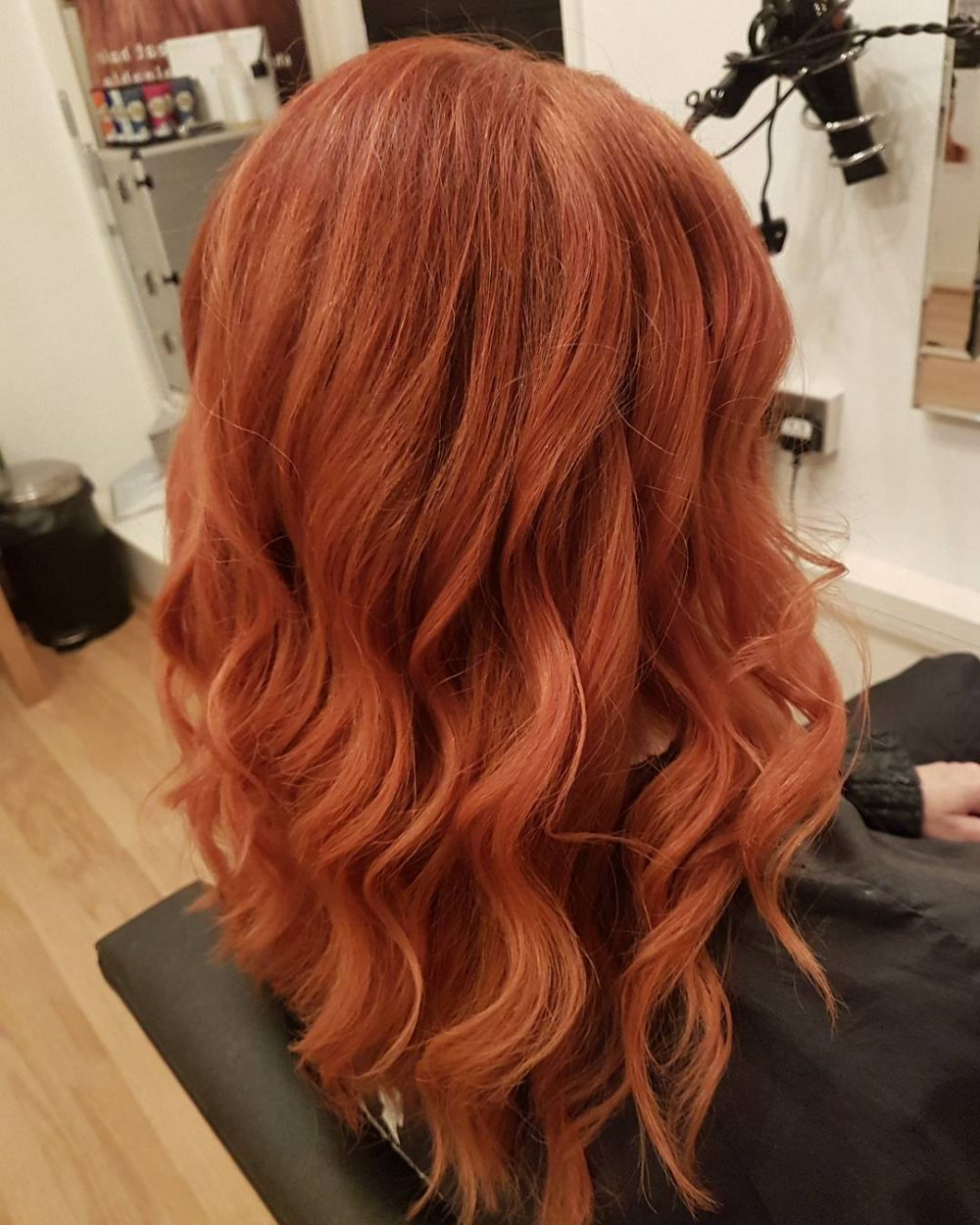 37 Chic Medium Length Wavy Hairstyles In 2019 Regarding Well Known Red Hair Medium Haircuts (View 9 of 20)