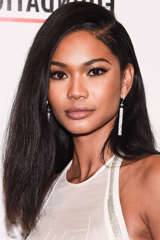 40 Best Medium Hairstyles – Celebrities With Shoulder Length Haircuts In Favorite Black Medium Hairstyles (View 4 of 20)
