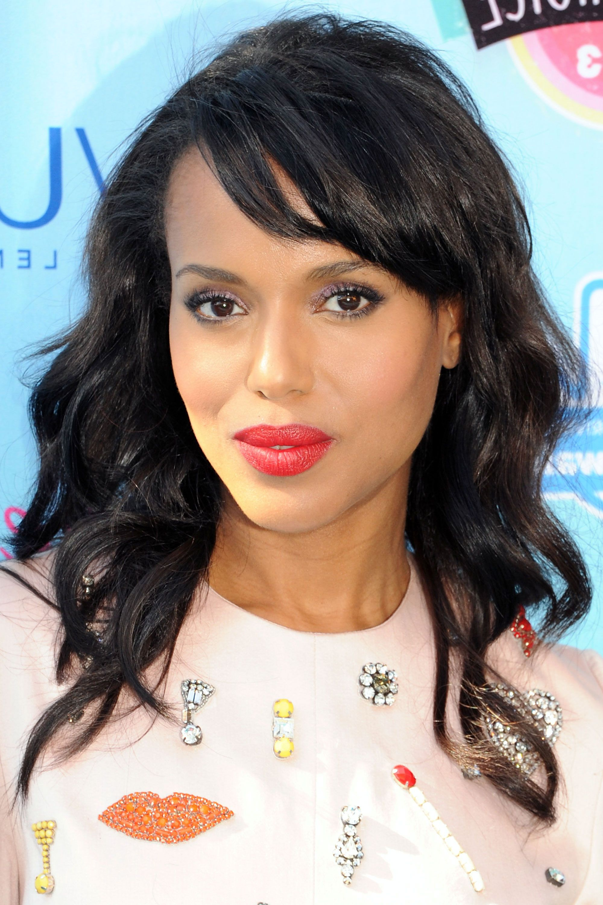 40 Best Medium Hairstyles – Celebrities With Shoulder Length Haircuts Regarding Most Recent Medium Haircuts For Black Women With Long Faces (View 7 of 20)