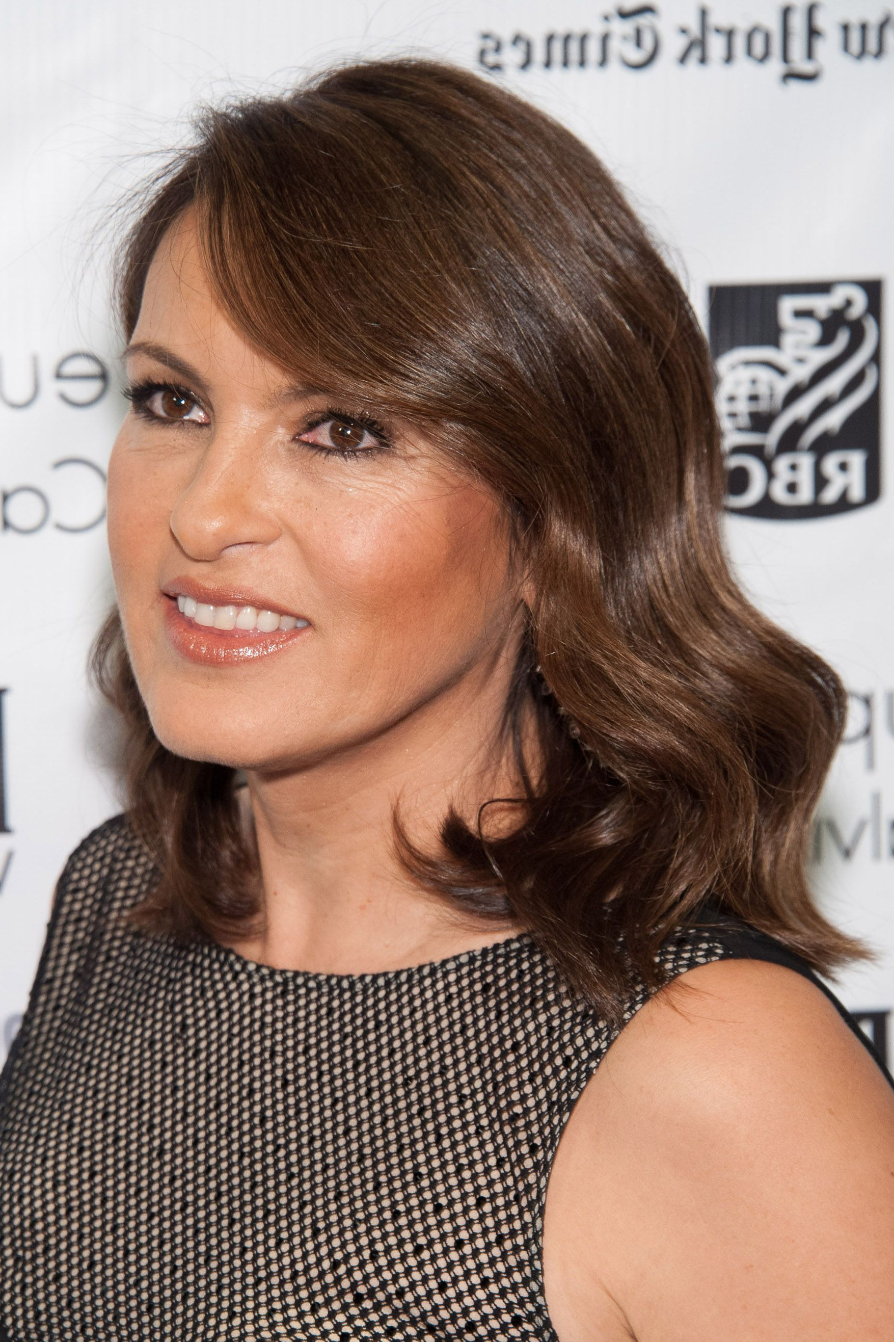 50 Best Hairstyles For Women Over 50 – Celebrity Haircuts Over 50 Inside Most Recently Released Medium Haircuts For Women In Their 50S (Gallery 19 of 20)