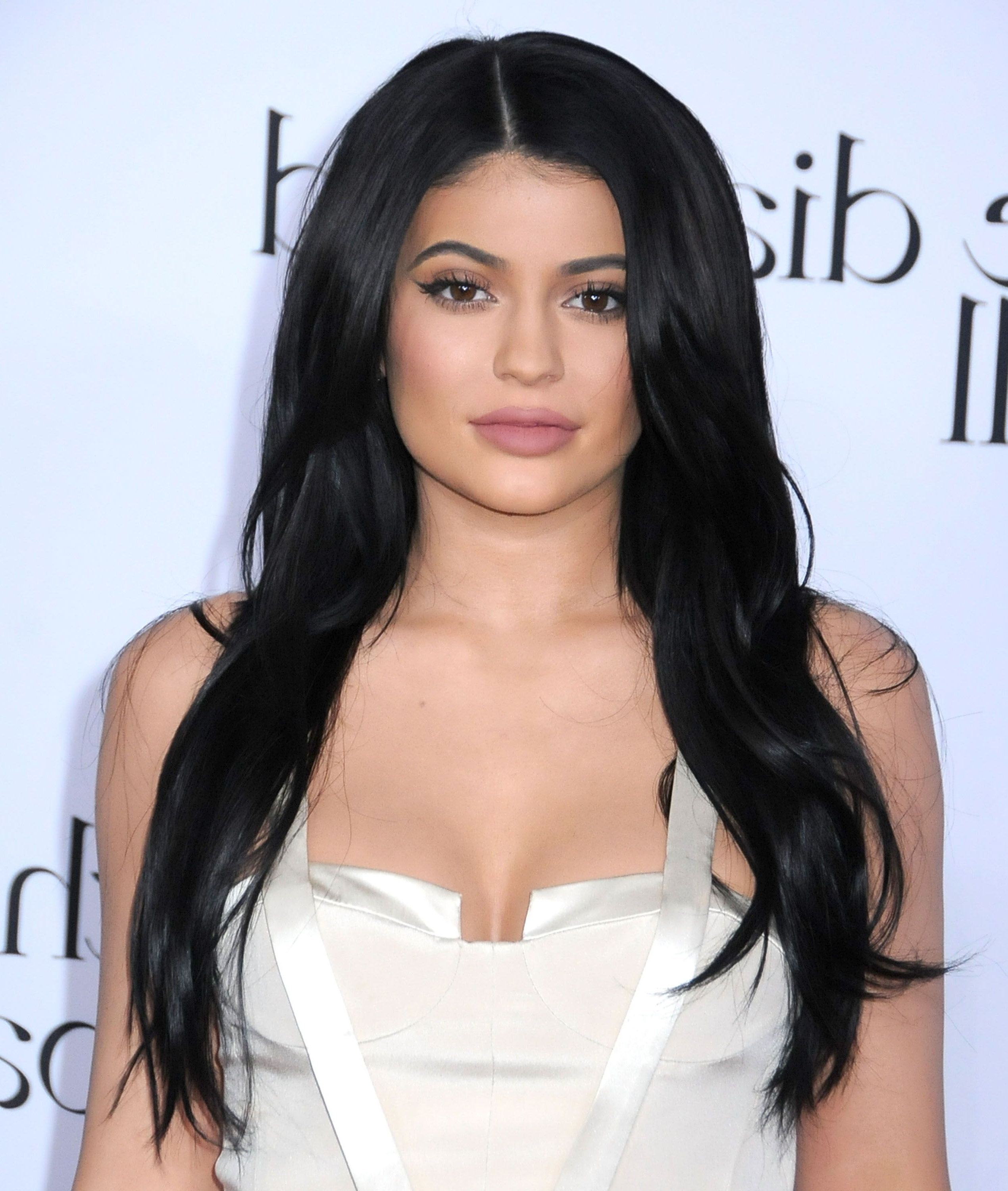 50 Best Kylie Jenner Hair Looks – The Best Hairstyles Of Kylie Jenner Intended For Widely Used Kylie Jenner Medium Haircuts (View 4 of 20)