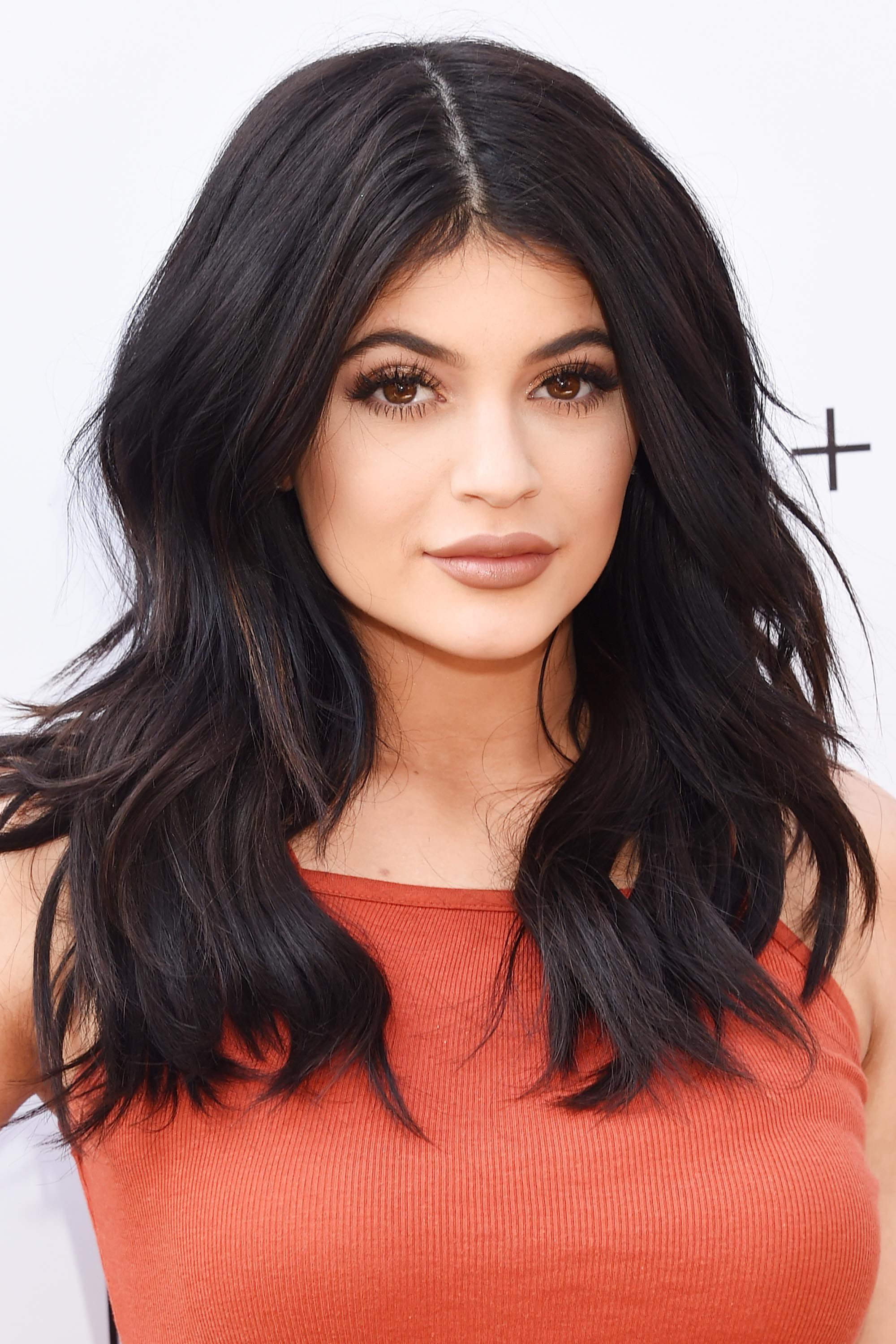 50 Best Kylie Jenner Hair Looks – The Best Hairstyles Of Kylie Jenner With Trendy Medium Haircuts Kris Jenner (View 2 of 20)