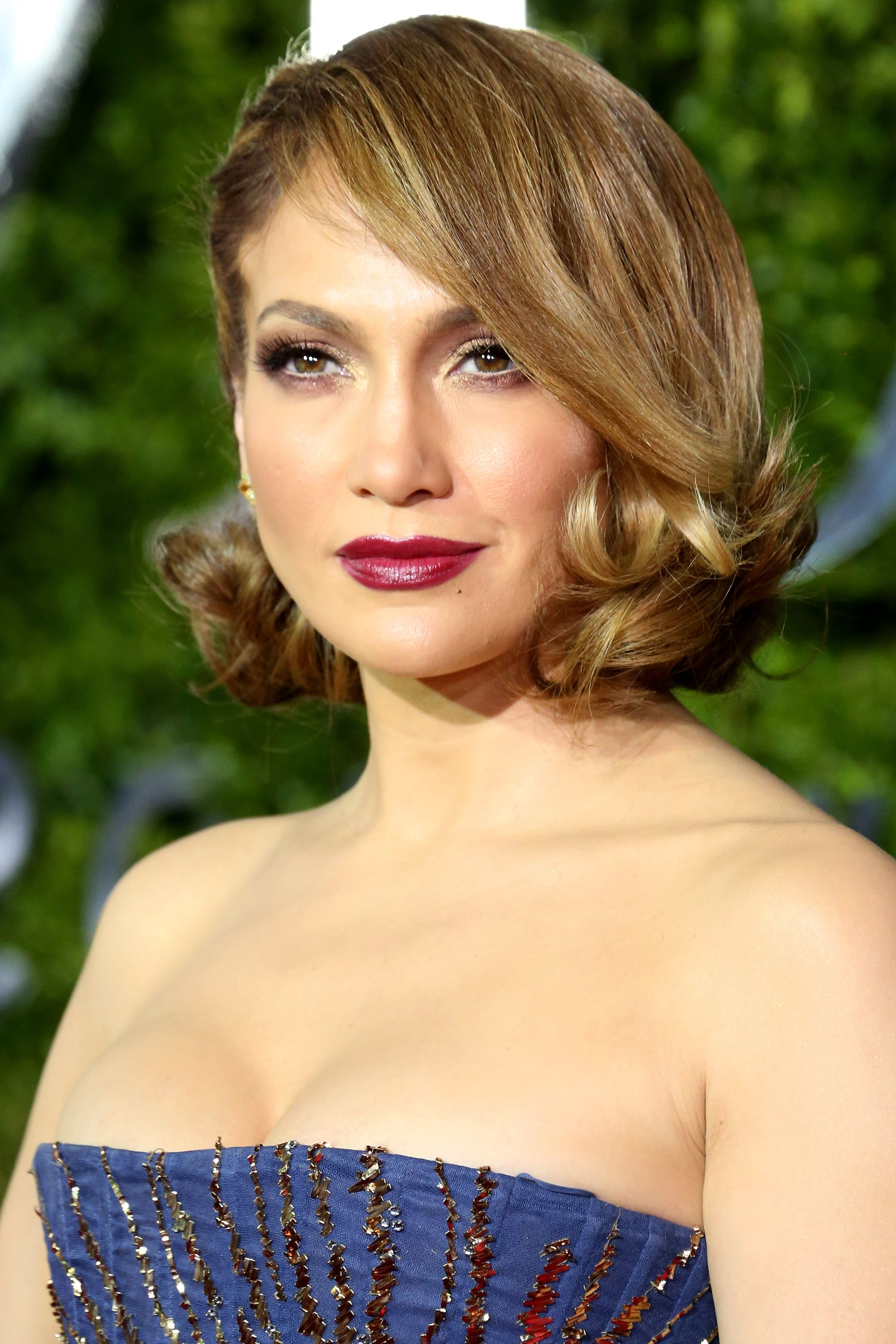 50+ Cute Bob And Lob Haircuts 2018 – Best Celebrity Long Bob Hairstyles With Most Popular Jennifer Lopez Medium Haircuts (View 4 of 20)