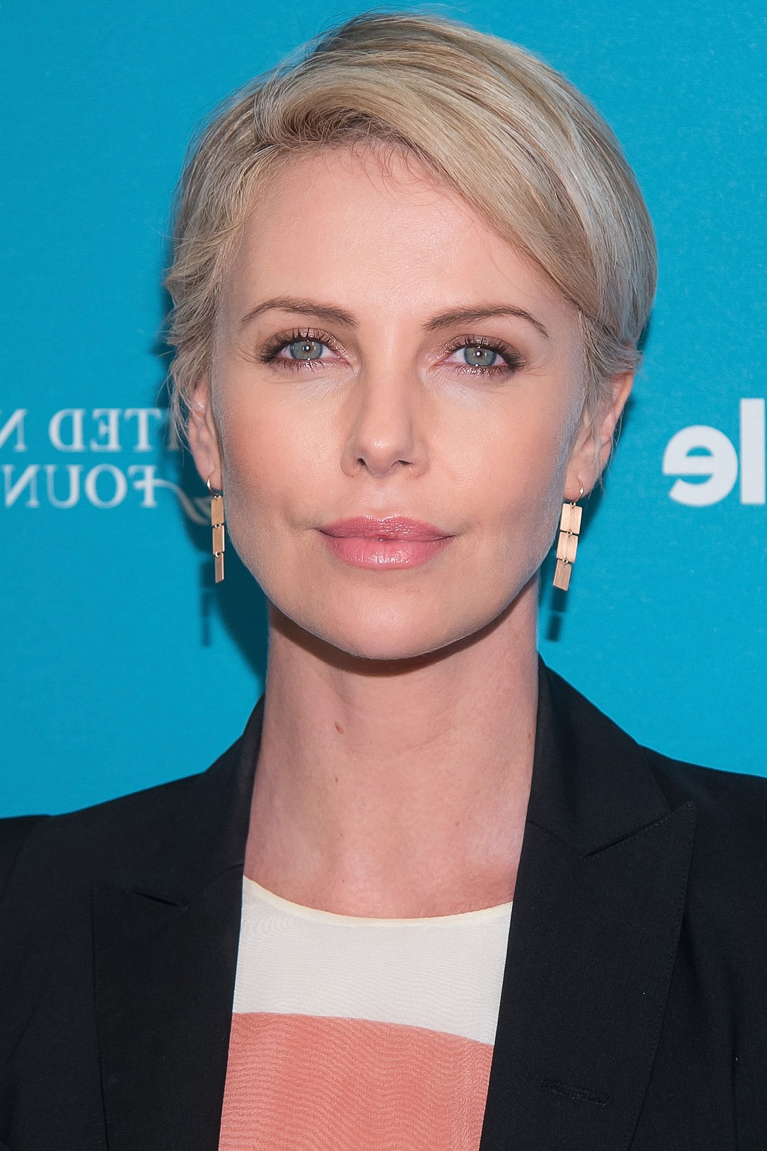 50+ Pixie Cuts We Love For 2019 – Short Pixie Hairstyles From Throughout Trendy Charlize Theron Medium Haircuts (View 2 of 20)