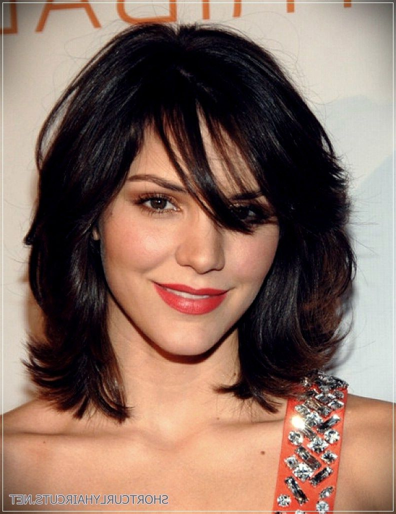 6 Alluring Short Haircuts For Thick Hair (View 17 of 20)