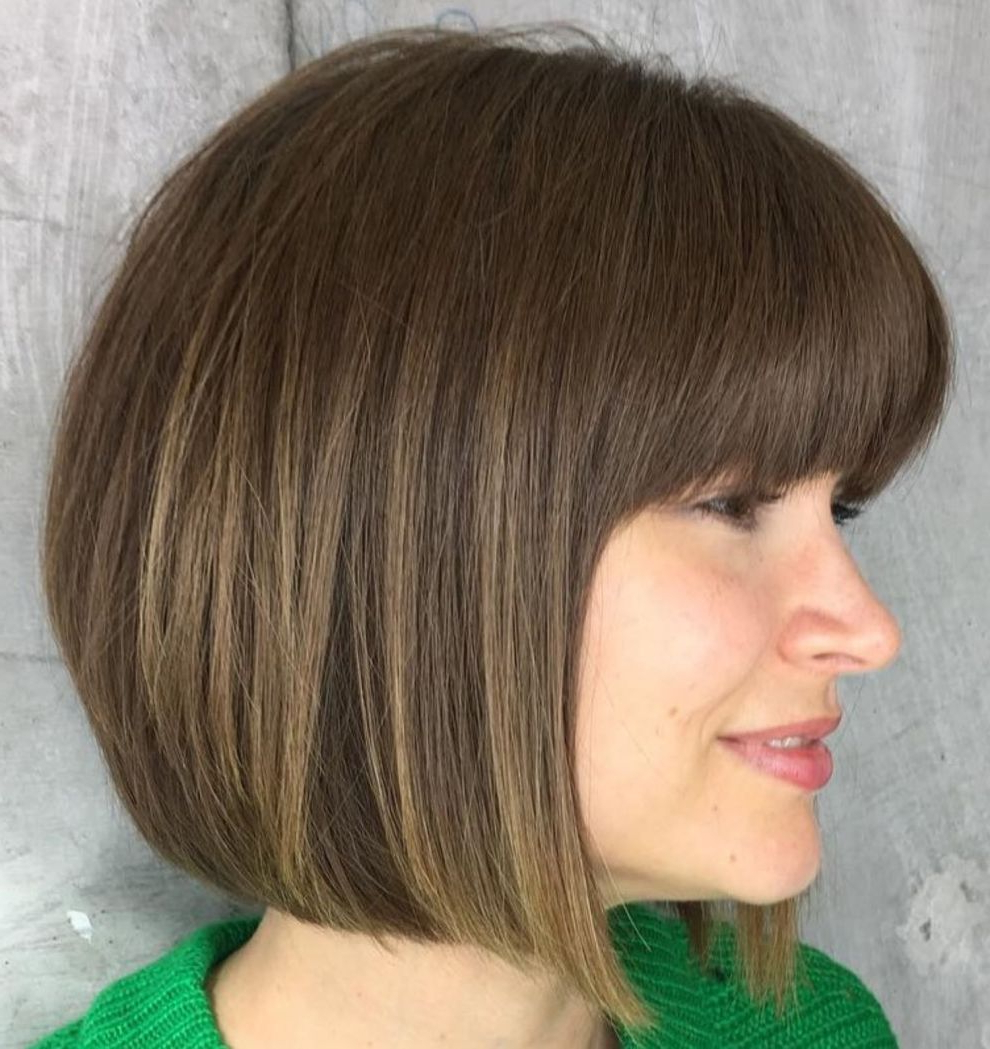 60 Beautiful And Convenient Medium Bob Hairstyles (View 4 of 20)