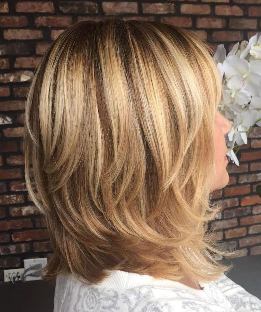 60 Fun And Flattering Medium Hairstyles For Women In  (View 4 of 20)
