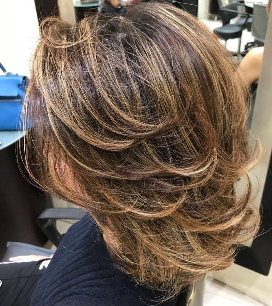 70 Brightest Medium Layered Haircuts To Light You Up (View 6 of 20)