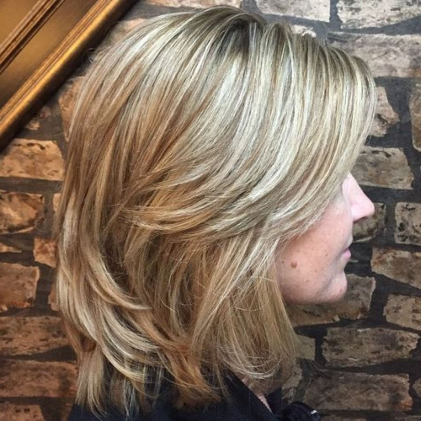 70 Brightest Medium Layered Haircuts To Light You Up In  (View 5 of 20)