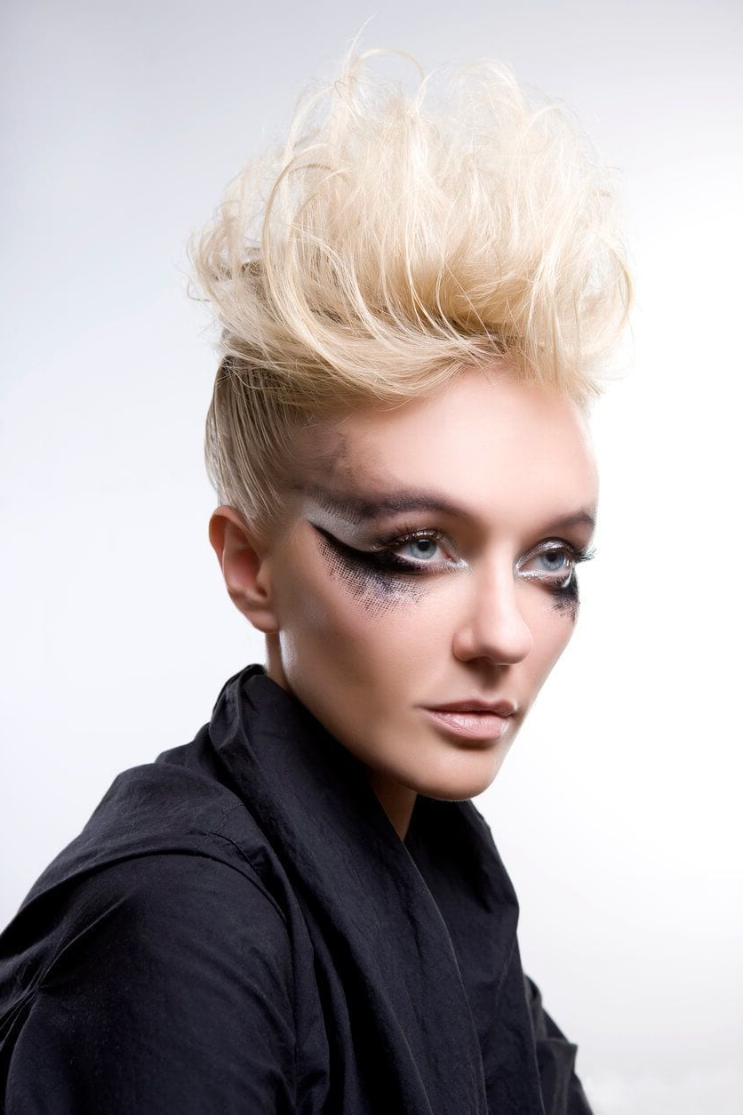 8 Fashionable Mohawk Hairstyles For Women: From Haute To Head Turning With Popular Bed Head Honey Mohawk Hairstyles (View 4 of 20)