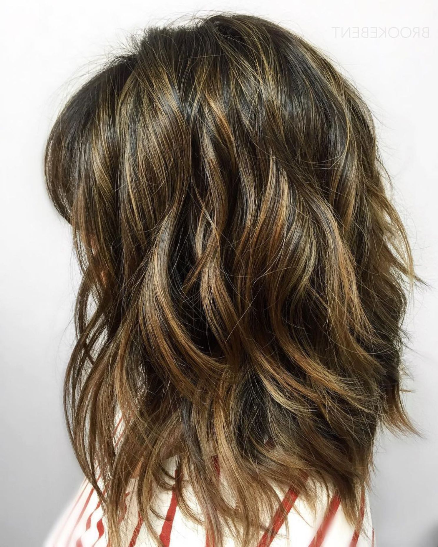 80 Sensational Medium Length Haircuts For Thick Hair (View 10 of 20)