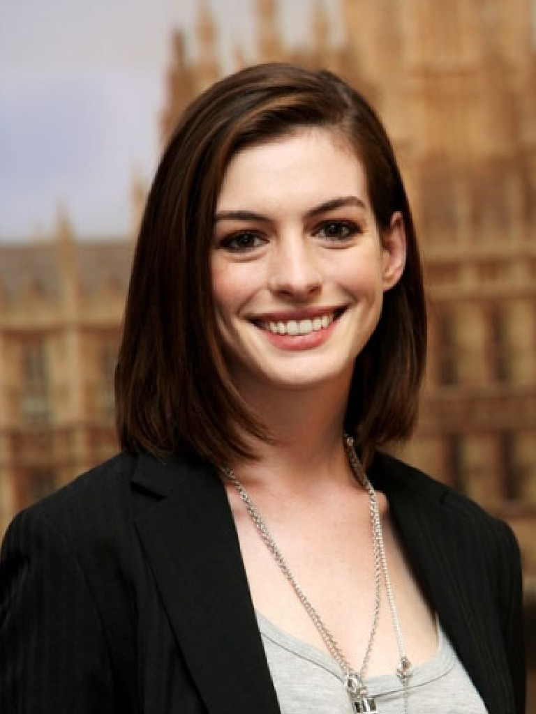 Anne Hathaway: Anne Hathaway Hairstyles For Latest Anne Hathaway Medium Hairstyles (View 6 of 20)