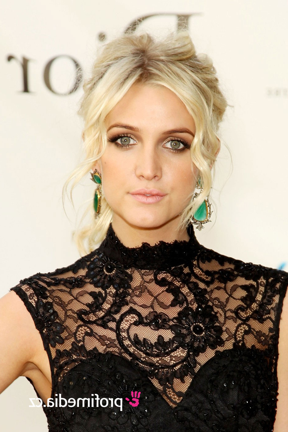 Ashlee Simpson – – Hairstyle – Easyhairstyler Within Recent Ashlee Simpson Medium Hairstyles (View 8 of 20)