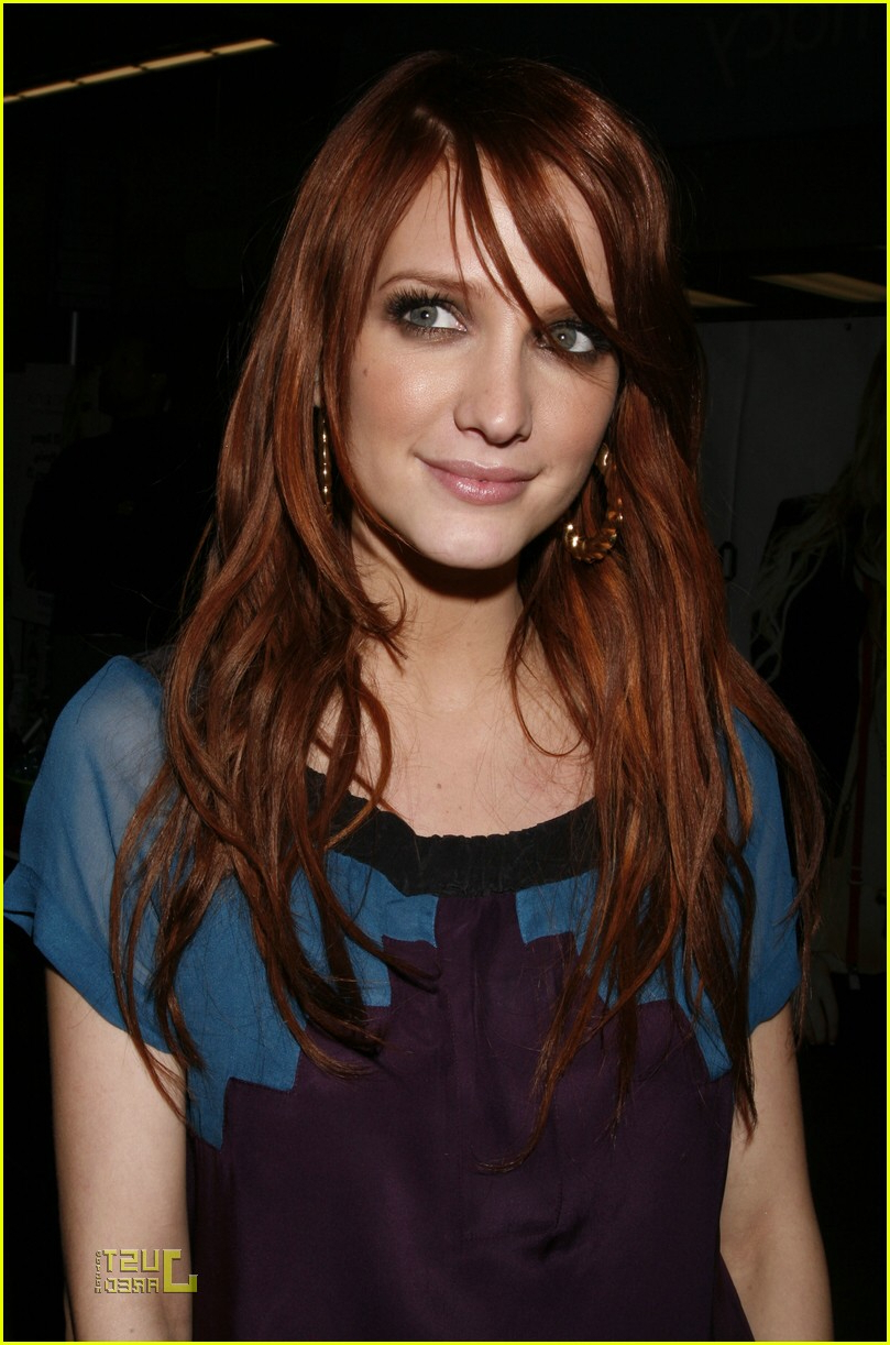 Ashlee Simpson Is Little Miss Obsessive: Photo (View 5 of 20)