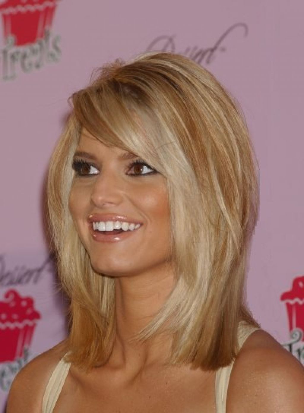 Bangs Hairstyles Throughout Most Popular Medium Haircuts With Side Swept Bangs (View 2 of 20)