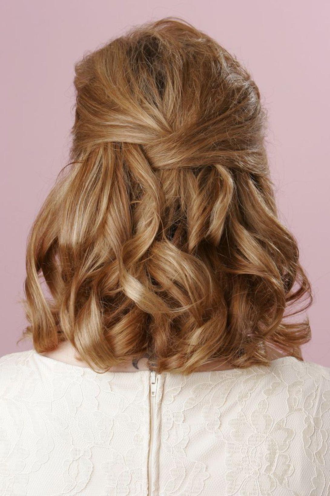 Featured Photo of Half Short Half Medium Haircuts
