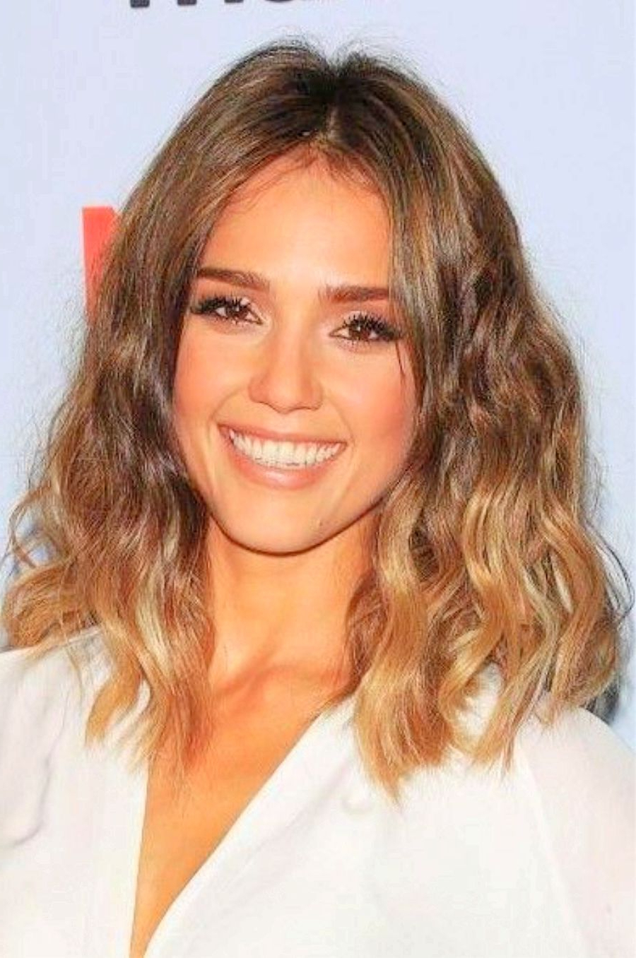 Best And Newest Jessica Alba Medium Haircuts Intended For Jessica Alba Long Bob Haircut – Jessica Alba Medium Hairstyles (View 1 of 20)