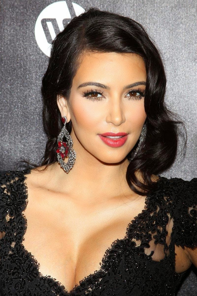Best And Newest Kim Kardashian Medium Haircuts With Kim Kardashian Hairstyles 2014 ~ Mens Hairstyles – Womans Hairstyles (View 14 of 20)