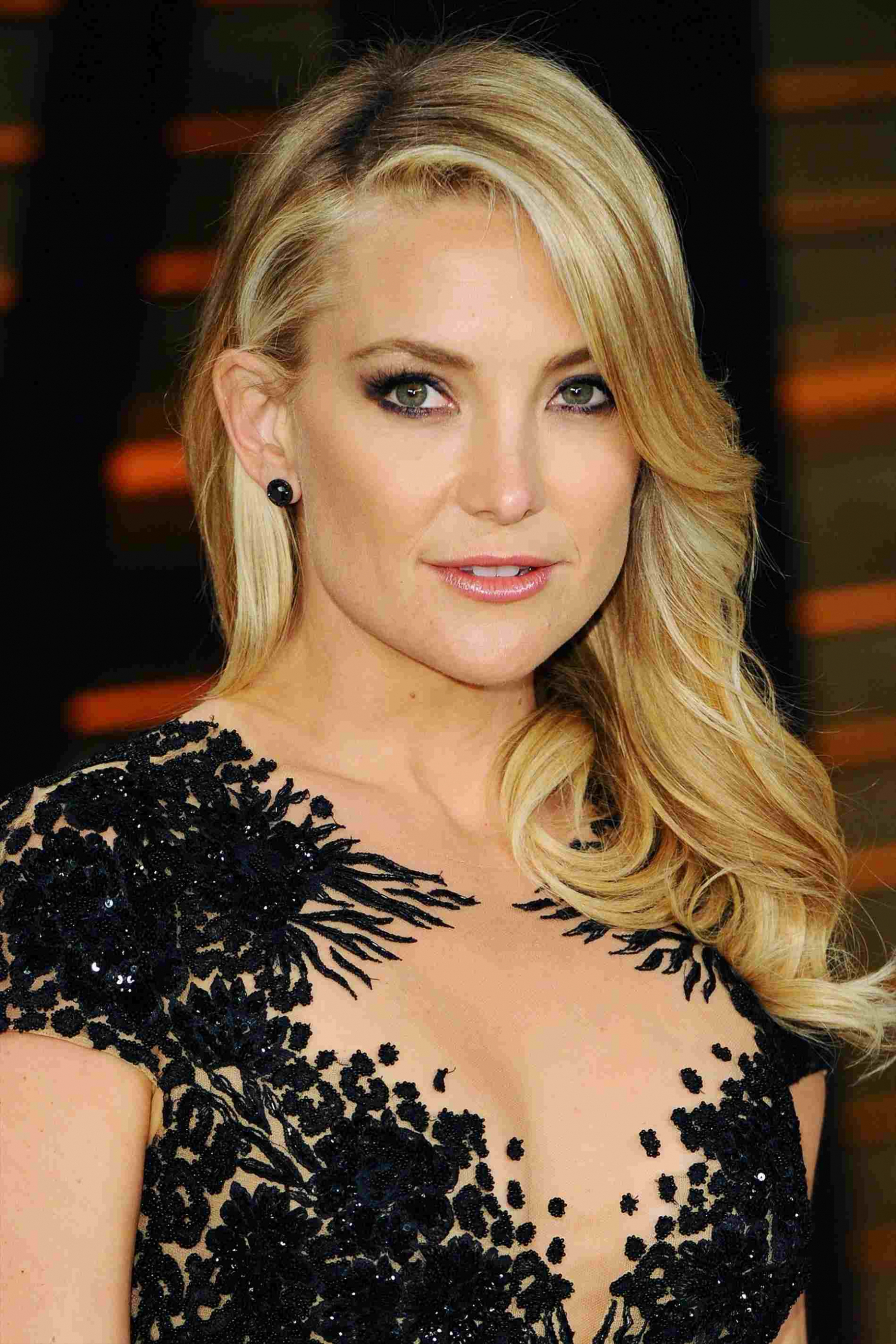 Best Celebrity Shoulder Length Hairstyles Medium Celebrities With Pertaining To Latest Celebrities Medium Haircuts (View 7 of 20)