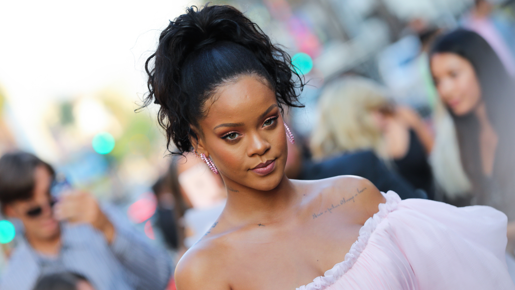 Best Hairstyles For Oval Faces 2019 According To Hair Experts Intended For Fashionable Medium Hairstyles For Black Women With Oval Faces (View 6 of 20)