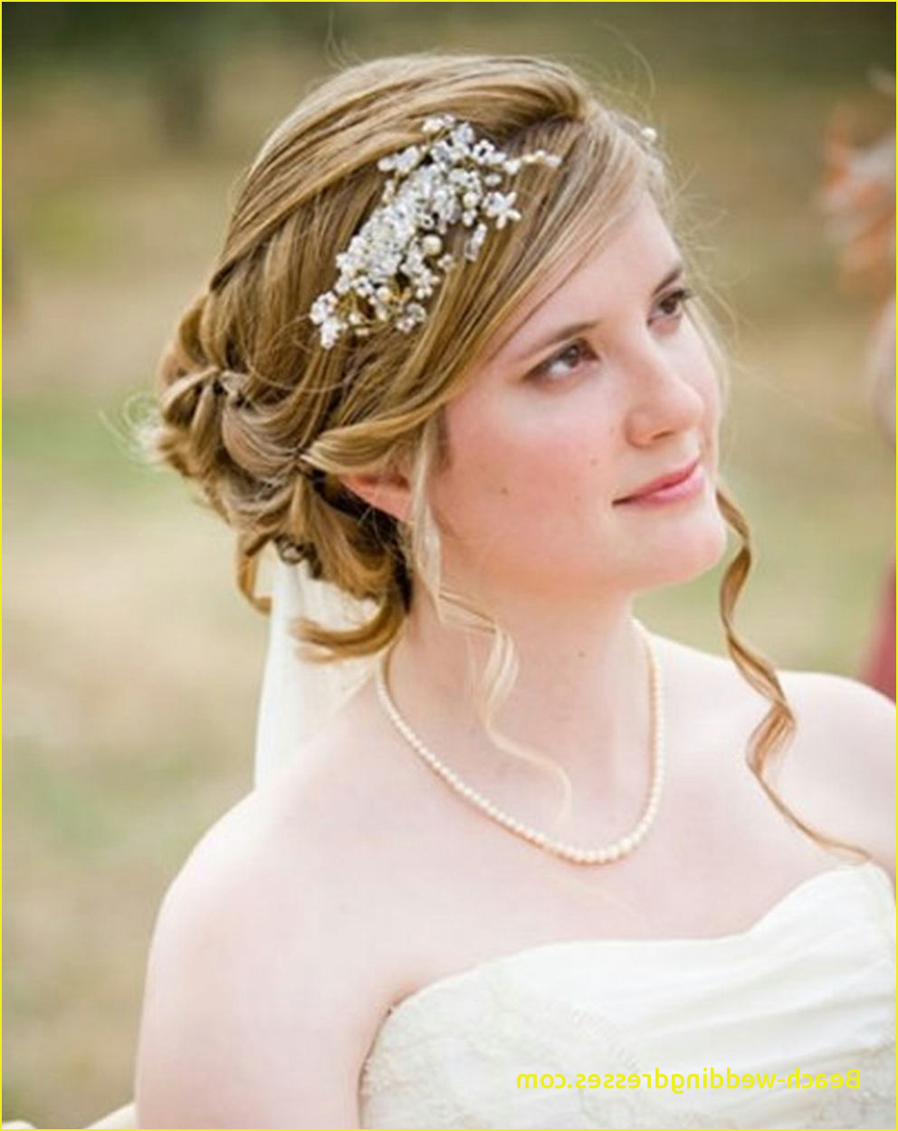Best Of Wedding Hairstyles With Tiara For Medium Length Hair (View 4 of 20)