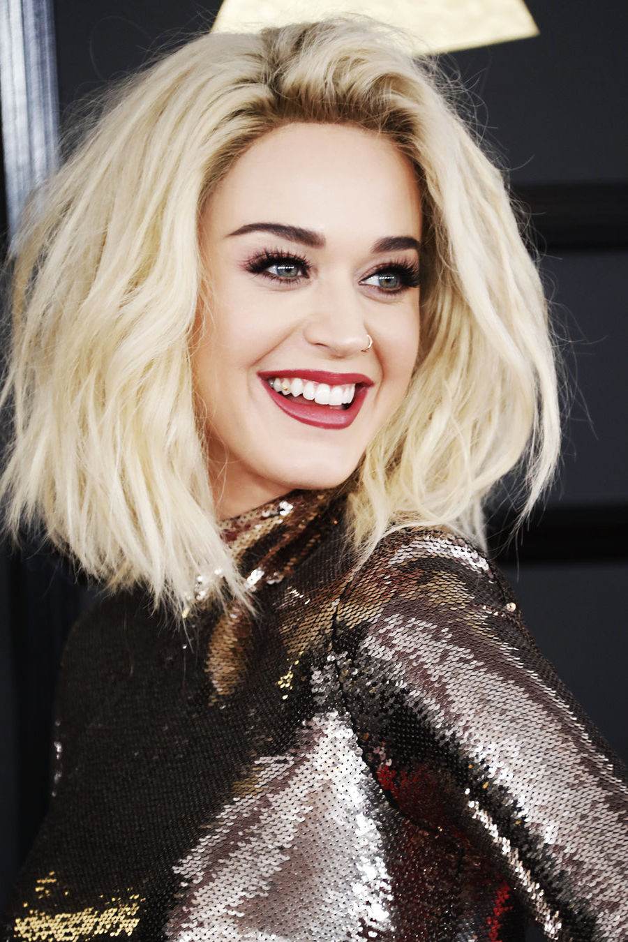 Billboard With Popular Katy Perry Medium Hairstyles (View 14 of 20)