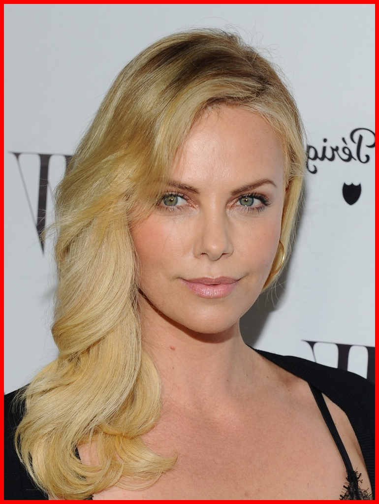 Charlize Theron Hairstyles 21750 Charlize Theron Long Hairstyles Throughout Recent Charlize Theron Medium Haircuts (View 7 of 20)