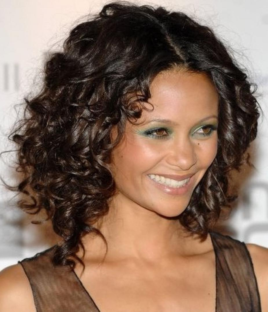 Featured Photo of Curly Medium Hairstyles For Oval Faces