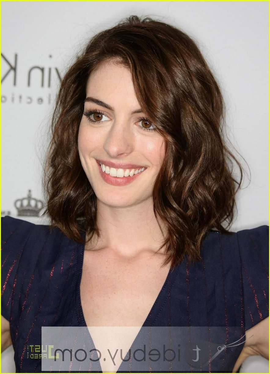 Featured Photo of Anne Hathaway Medium Hairstyles