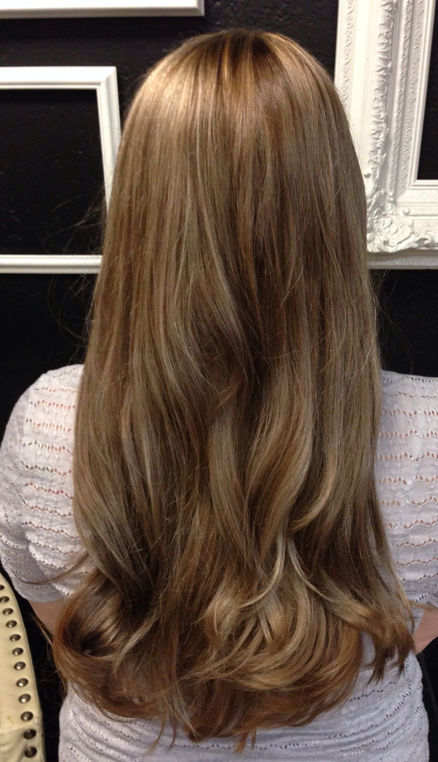 Current Medium Brown Tones Hairstyles With Subtle Highlights In Medium Brown With Beige/golden Tones & Subtle Blonde Highlights (View 1 of 20)