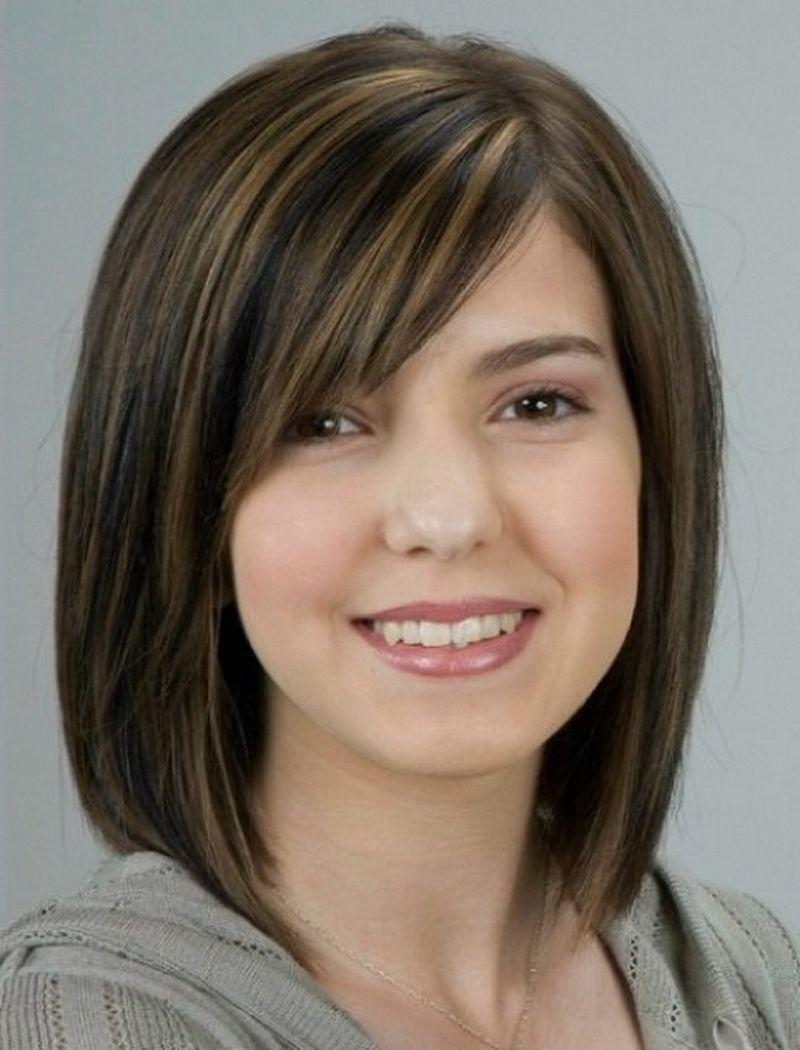 Current Medium Haircuts For Women With Round Face With Mid Length Hairstyles Ideas For Women's (View 3 of 20)