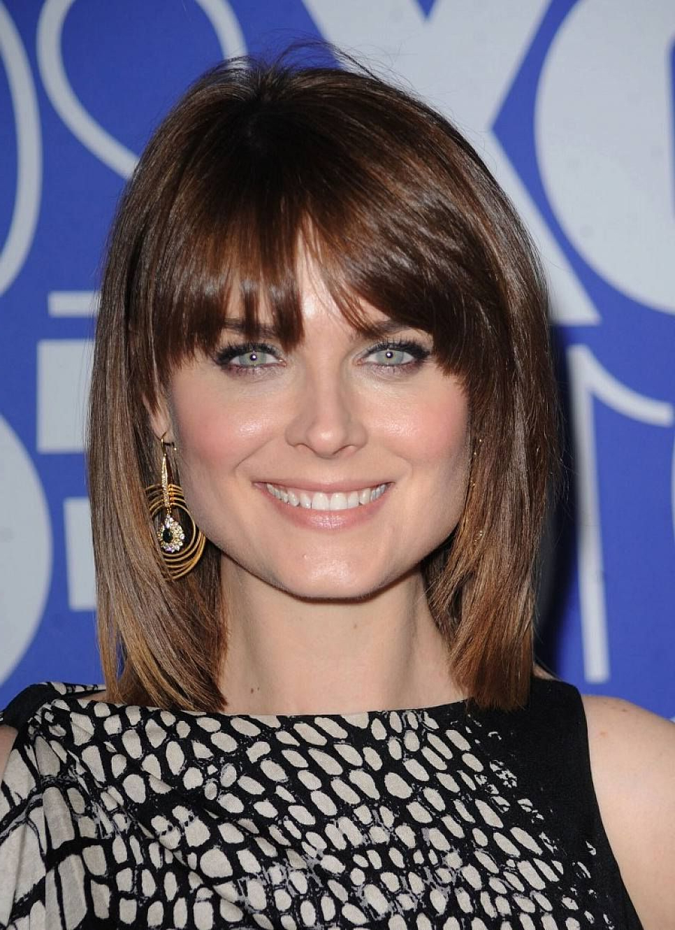 Current Medium Haircuts With Bangs For Round Faces Intended For Hairstyles Shoulder Length With Bangs For Round Faces (View 5 of 20)