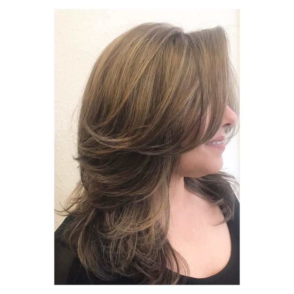 Current Swoopy Layers Hairstyles For Mid Length Hair With Regard To 51 Stunning Medium Layered Haircuts (Updated For 2019) (View 4 of 20)