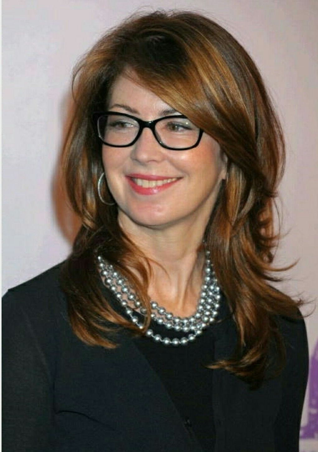 Dana Delany (View 5 of 20)