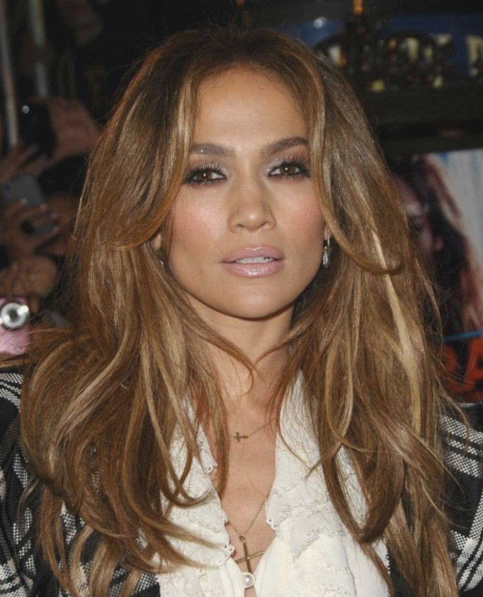 Dark Golden Blonde Hair Color Pictures Jennifer Lopez Dark Golden Within Best And Newest Jennifer Lopez Medium Haircuts (View 16 of 20)