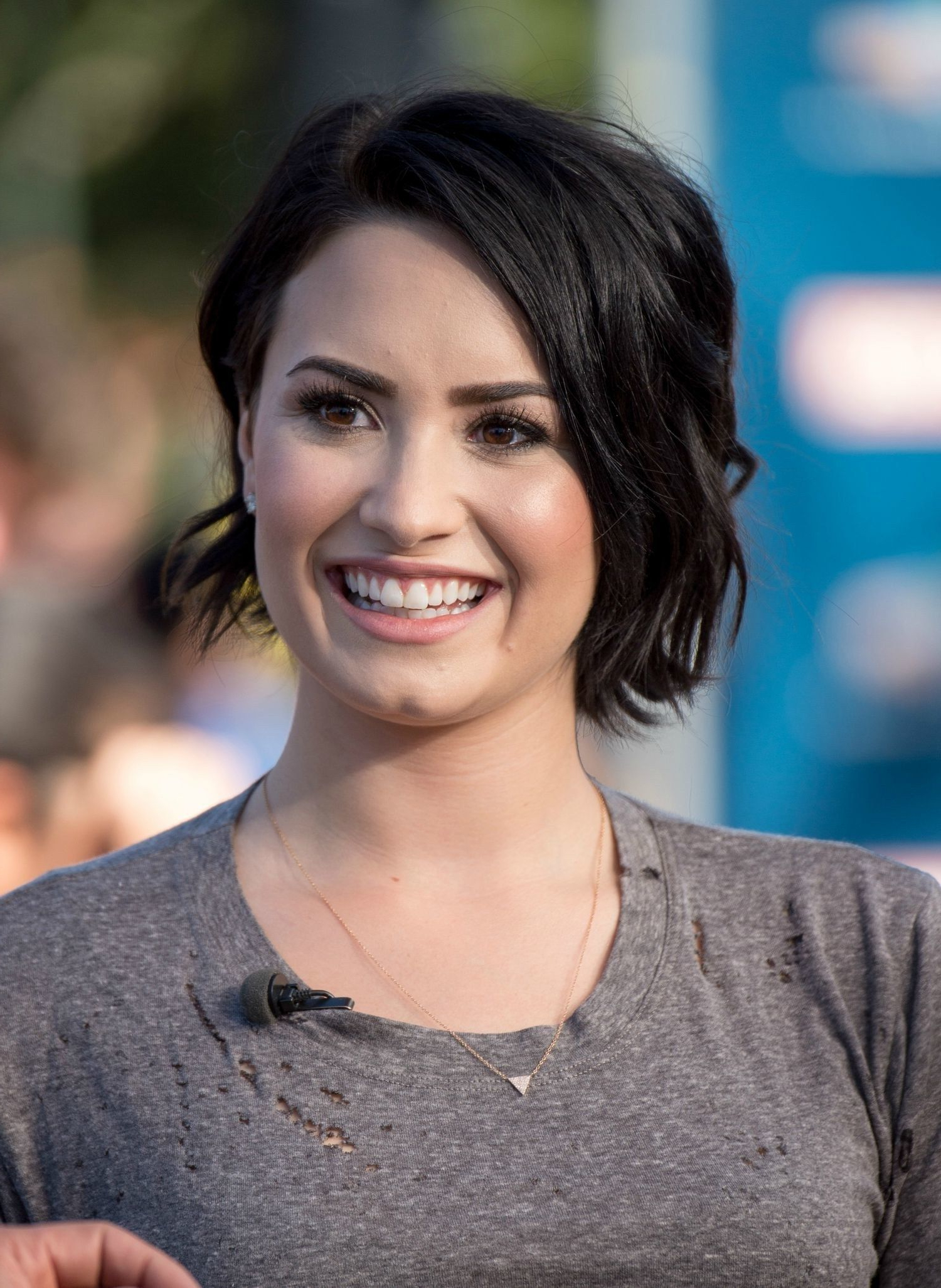 Demi Lovato's Haircut Is Crazy Cute?take A Look From Every Angle With Well Liked Demi Lovato Medium Hairstyles (Gallery 20 of 20)