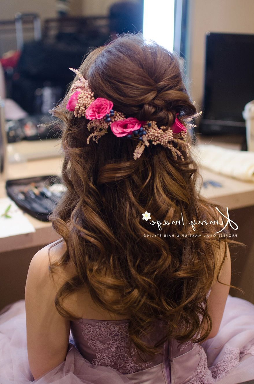 Dreamy Flowery Hairstyle (Gallery 12 of 20)