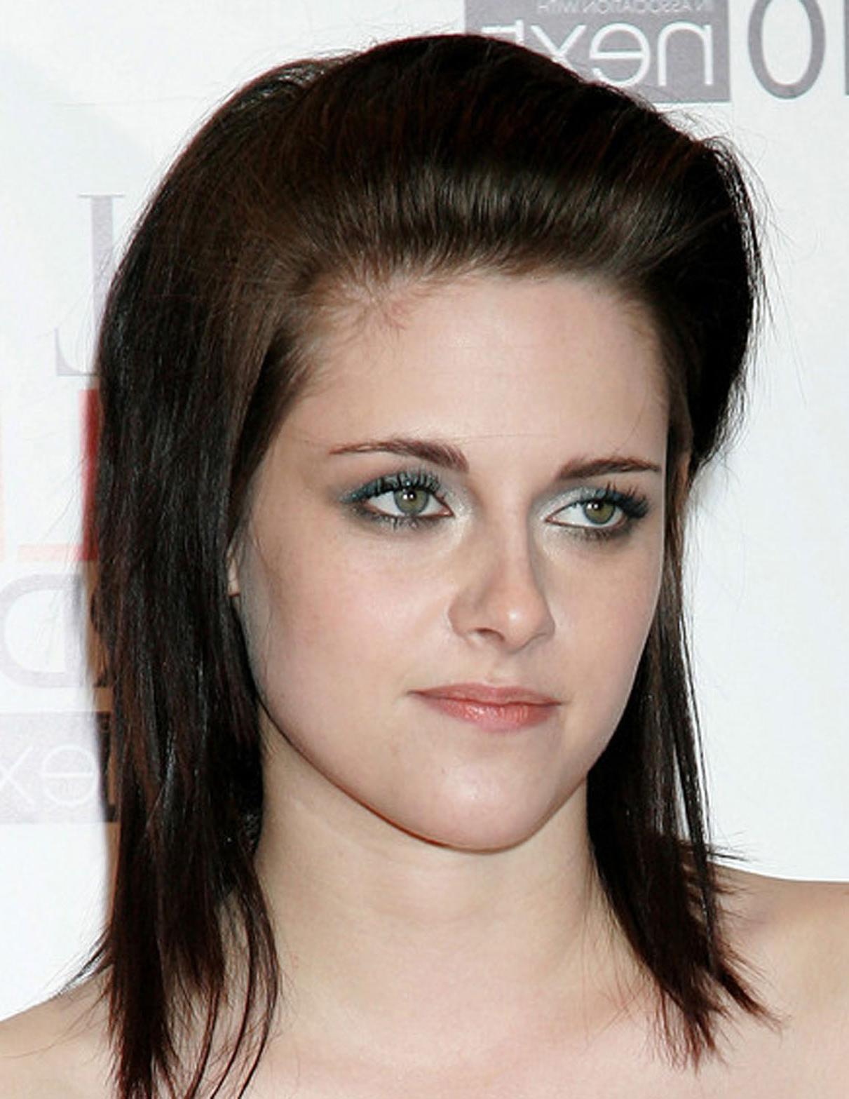 Famous Kristen Stewart Medium Hairstyles Inside Kristen Stewart Hairstyles – Hairstyles (View 3 of 20)
