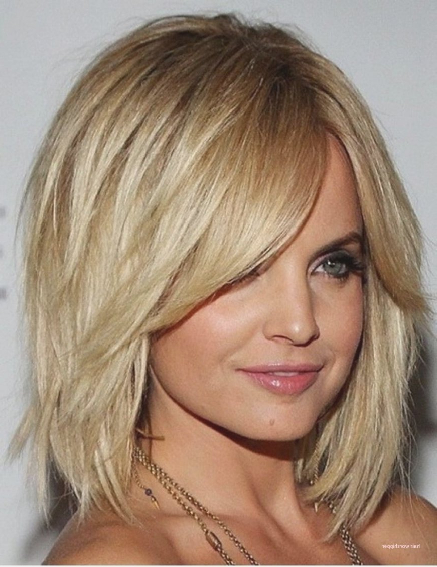 Famous Medium Haircuts For Oval Faces And Thick Hair Pertaining To Medium Hairstyles For Oval Faces And Thick Hair New Medium Length (View 7 of 20)