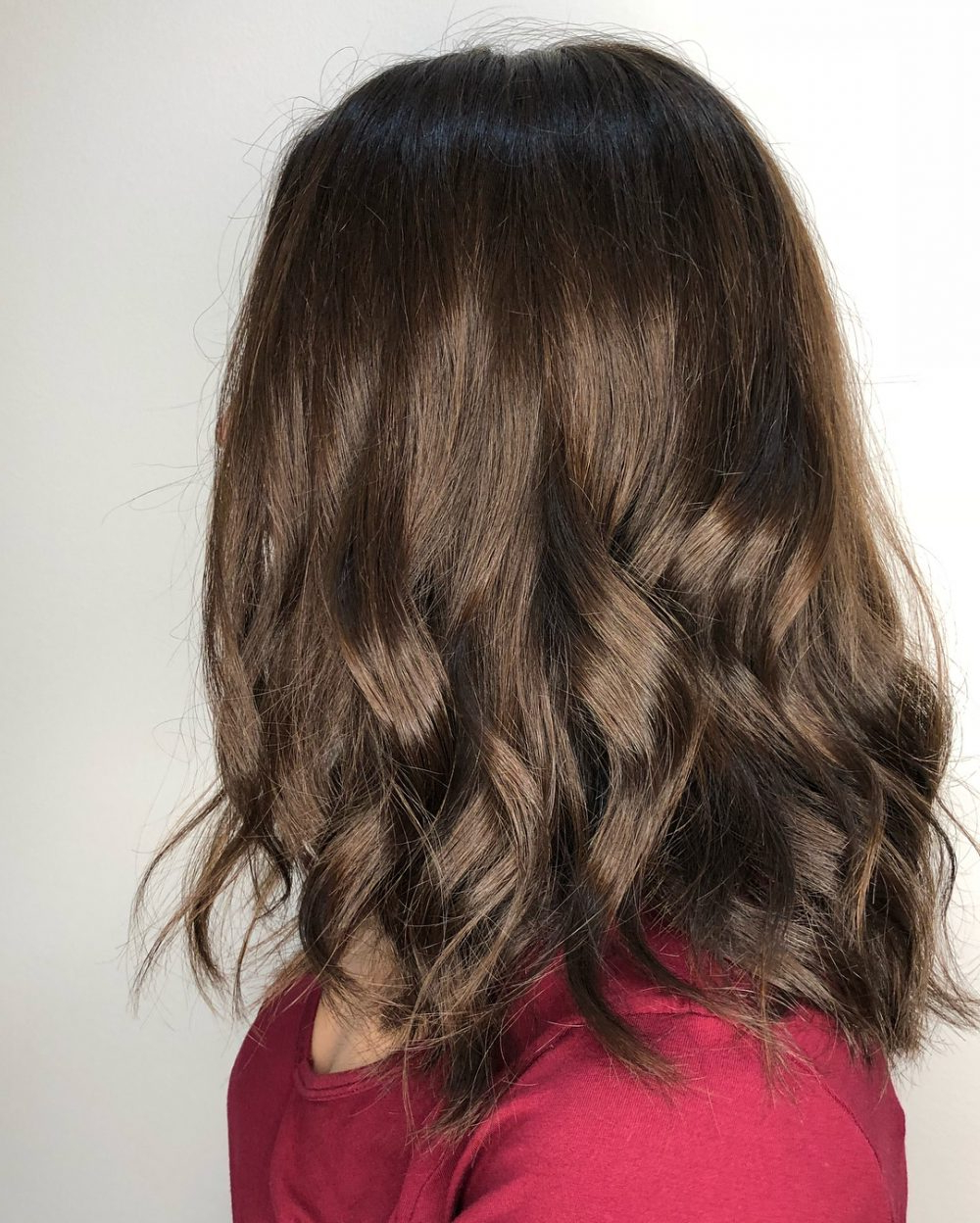 Famous Medium Haircuts For Wavy Hair In 37 Chic Medium Length Wavy Hairstyles In  (View 8 of 20)