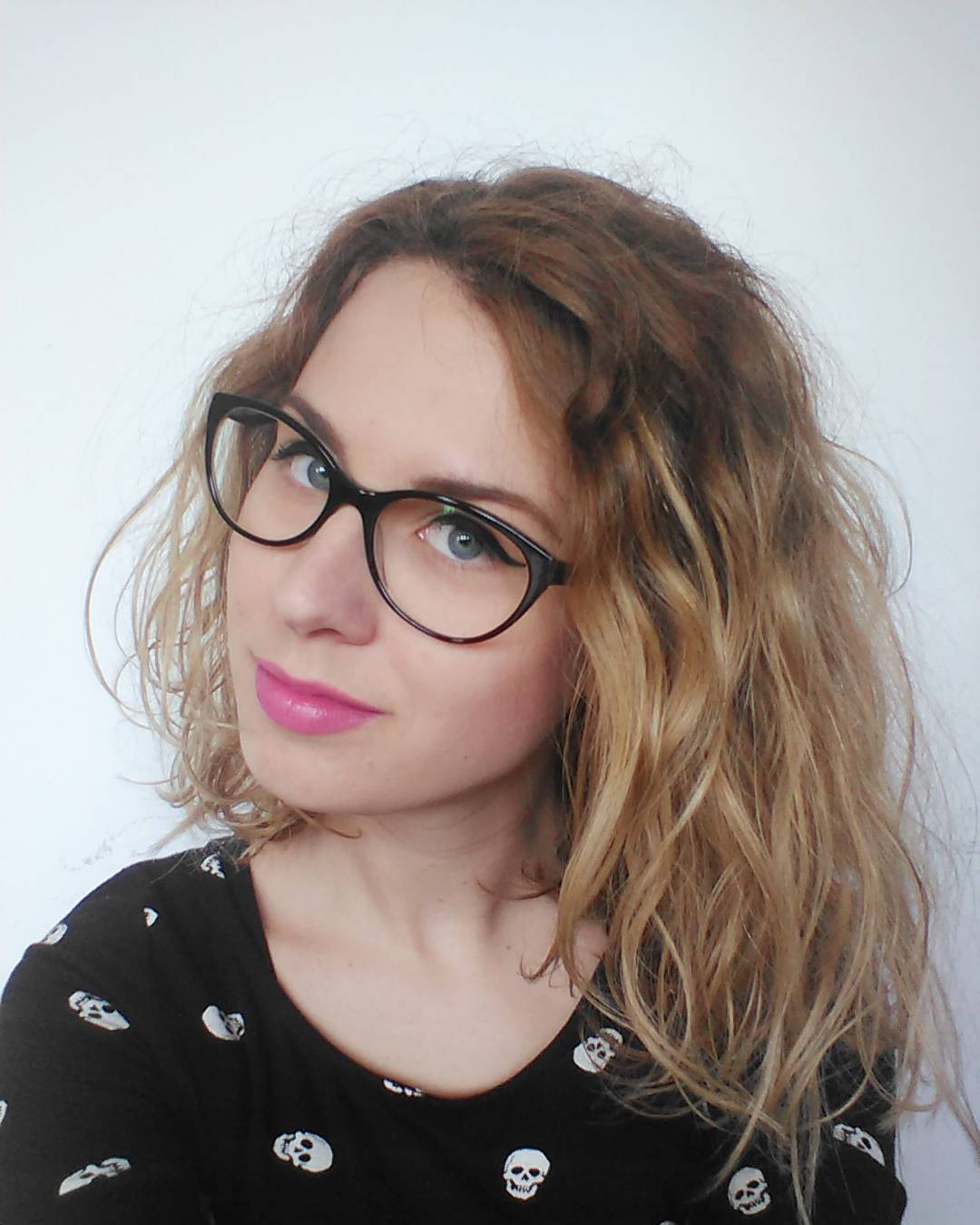 [%Famous Medium Haircuts With Glasses With 30 Edgy Medium Length Haircuts For Thick Hair [October, 2018]|30 Edgy Medium Length Haircuts For Thick Hair [October, 2018] Regarding 2017 Medium Haircuts With Glasses%] (View 6 of 20)