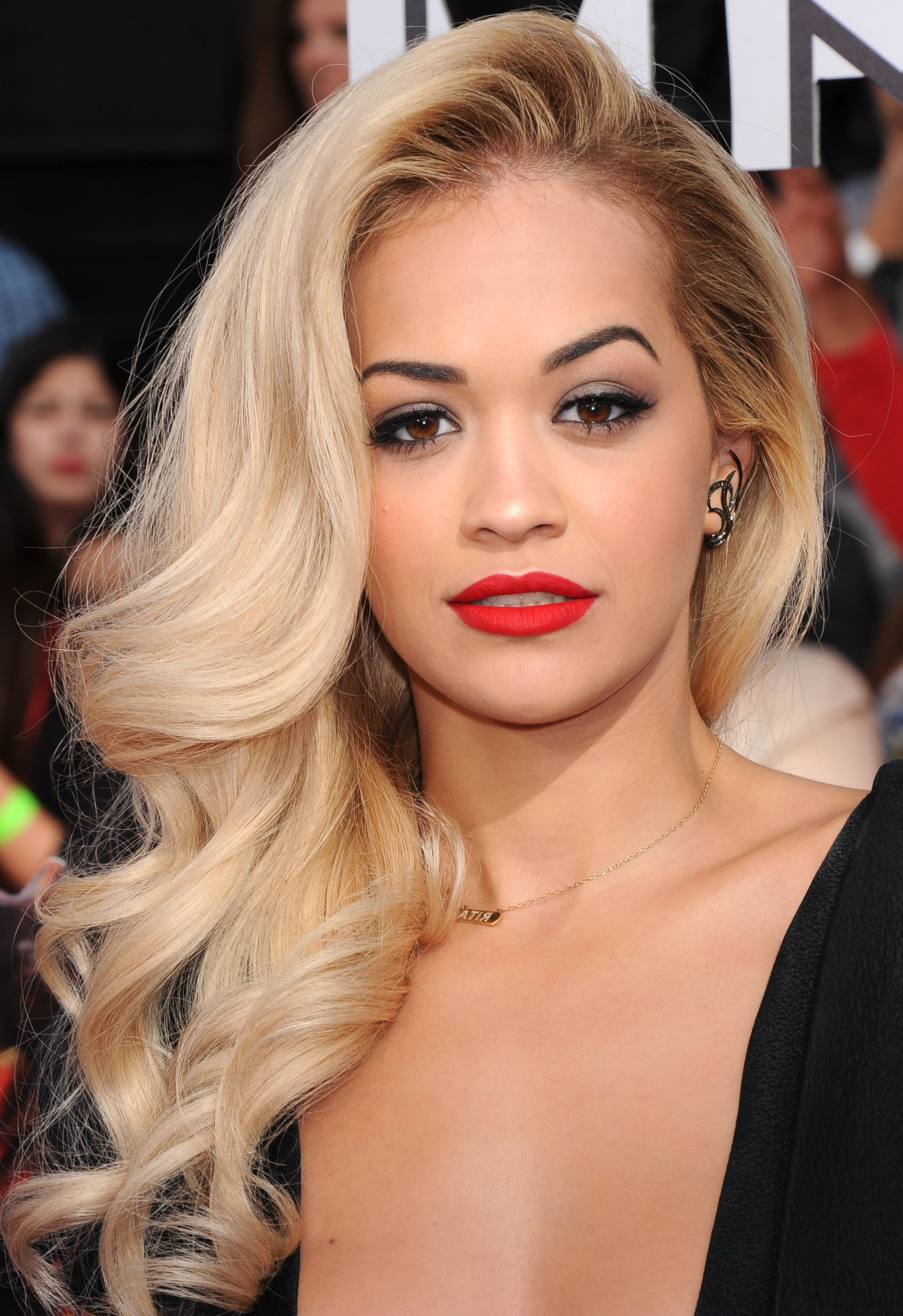 Famous Rita Ora Medium Hairstyles Throughout Hair How To: Glamour Side Swept Waves – Viva (Gallery 11 of 20)