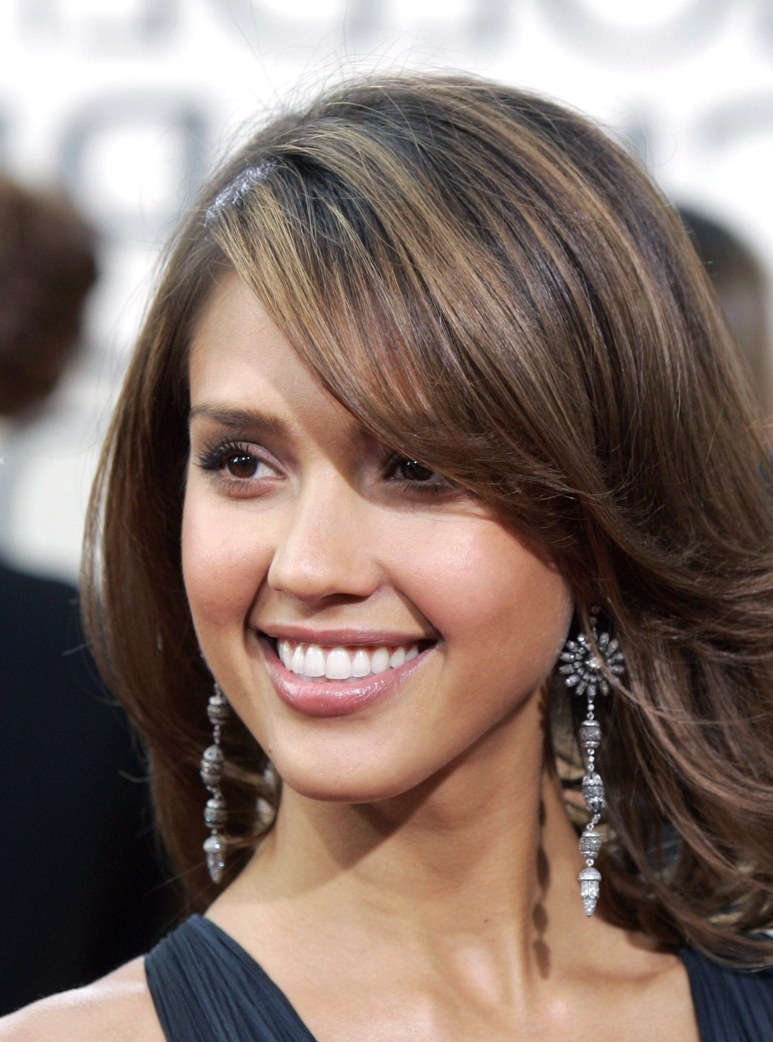 Fashionable Jessica Alba Medium Hairstyles Regarding Jessica Alba Medium Hairstyles – Hairstyle For Women & Man (View 3 of 20)