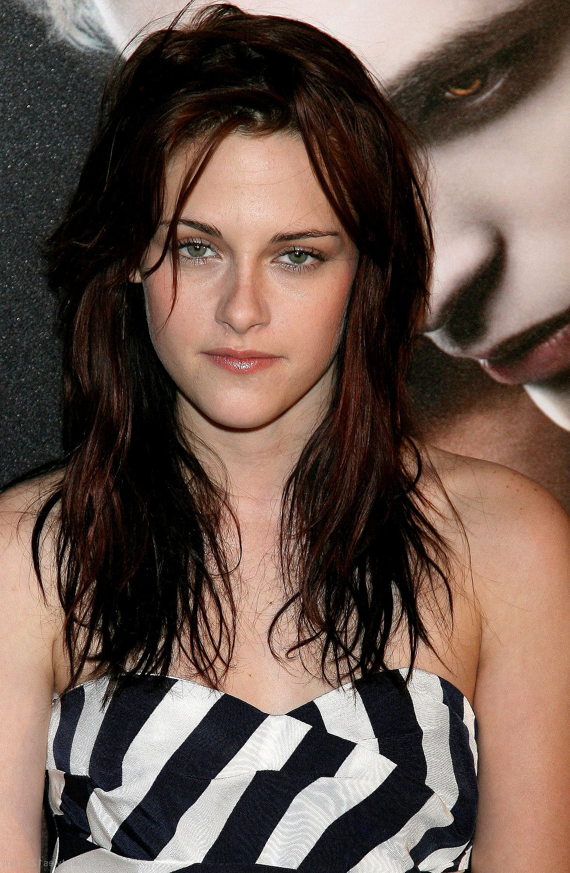 Fashionable Kristen Stewart Medium Hairstyles Pertaining To Kristen Stewart (View 14 of 20)