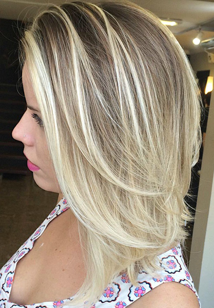 Fashionable Mid Length Haircuts With Side Layers With Regard To Best Layered Hairstyles For Women You Can Try This Year – Pretty Designs (View 13 of 20)